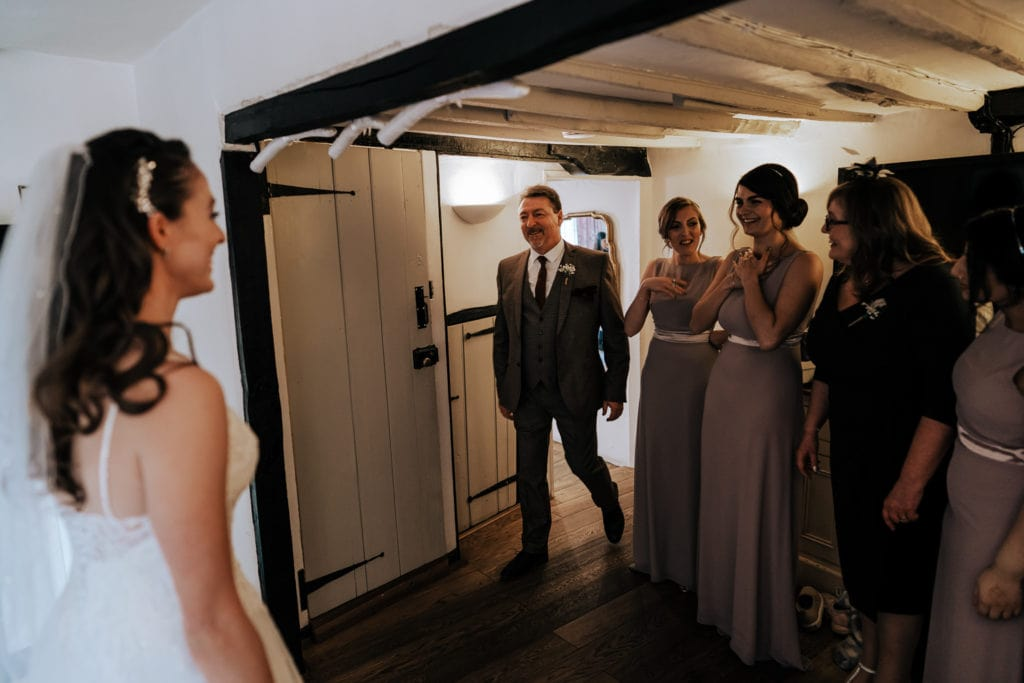father of the bride seeing her for first time
