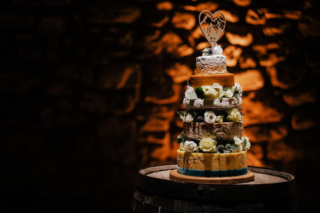 Amazing wedding cheese cake